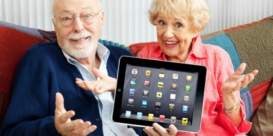 old-people-with-ipad